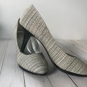 Kelly & Katie black & cream tweed heels